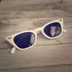 Accessories - FREE bonus gift! White sun glasses